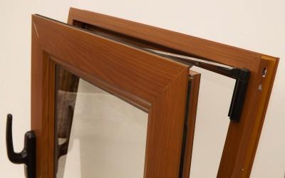Aberturas de aluminio color madera