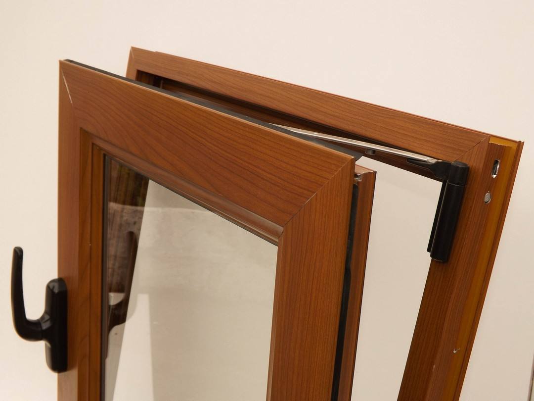 Aberturas de aluminio color madera novedad for Aberturas en aluminio